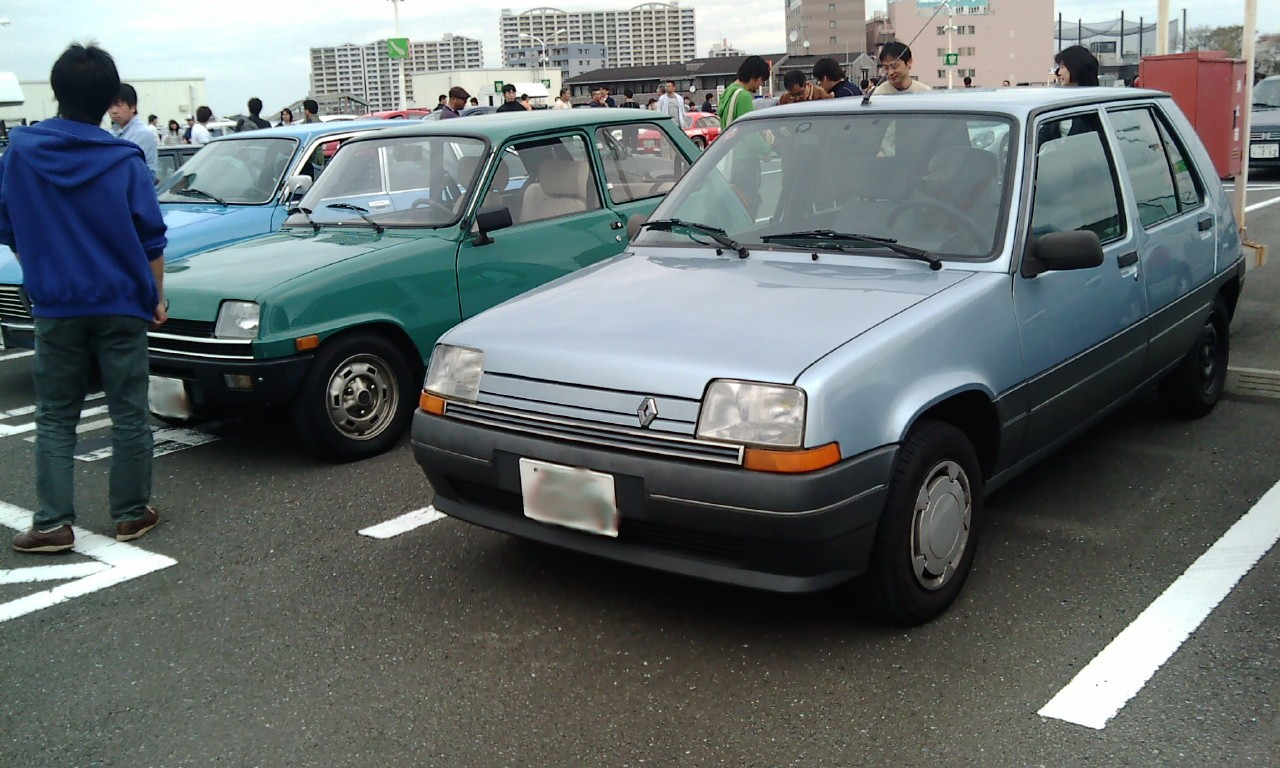 F1010033