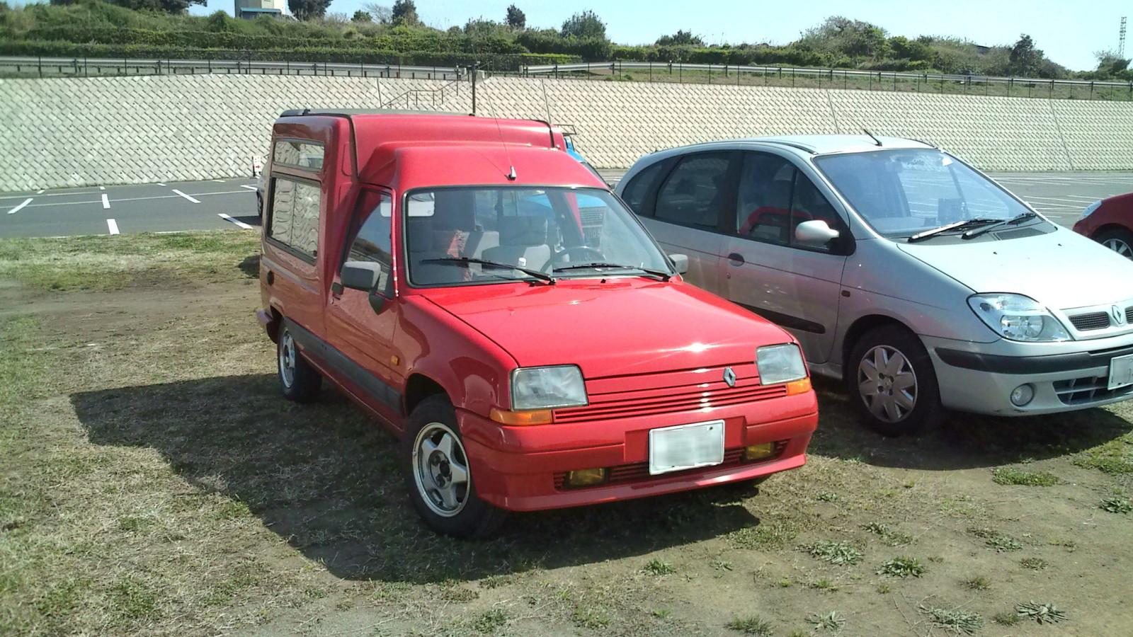 F1000003